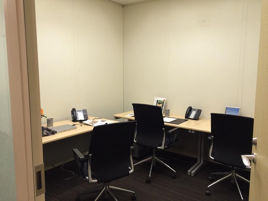 リージャス新宿パークタワー_個室レンタルオフィスの雰囲気を画像で