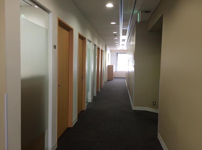 リージャス日本橋兜町センター_4_オフィスの廊下