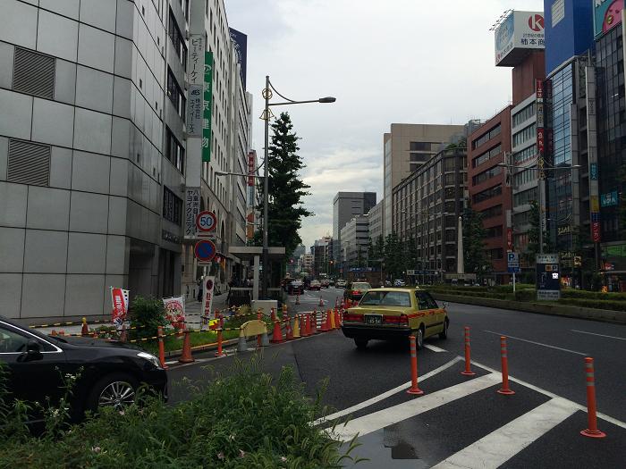 リージャス東京駅八重洲通り_3_東京駅八重洲口正面の道路の写真