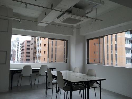 LEAGUE(リーグ)_8階サービスオフィス_窓側