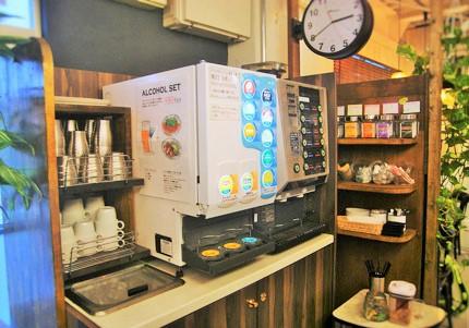 新宿の時間制コワーキングスペースのベースポイント。格安で電源・wi-fi完備_2