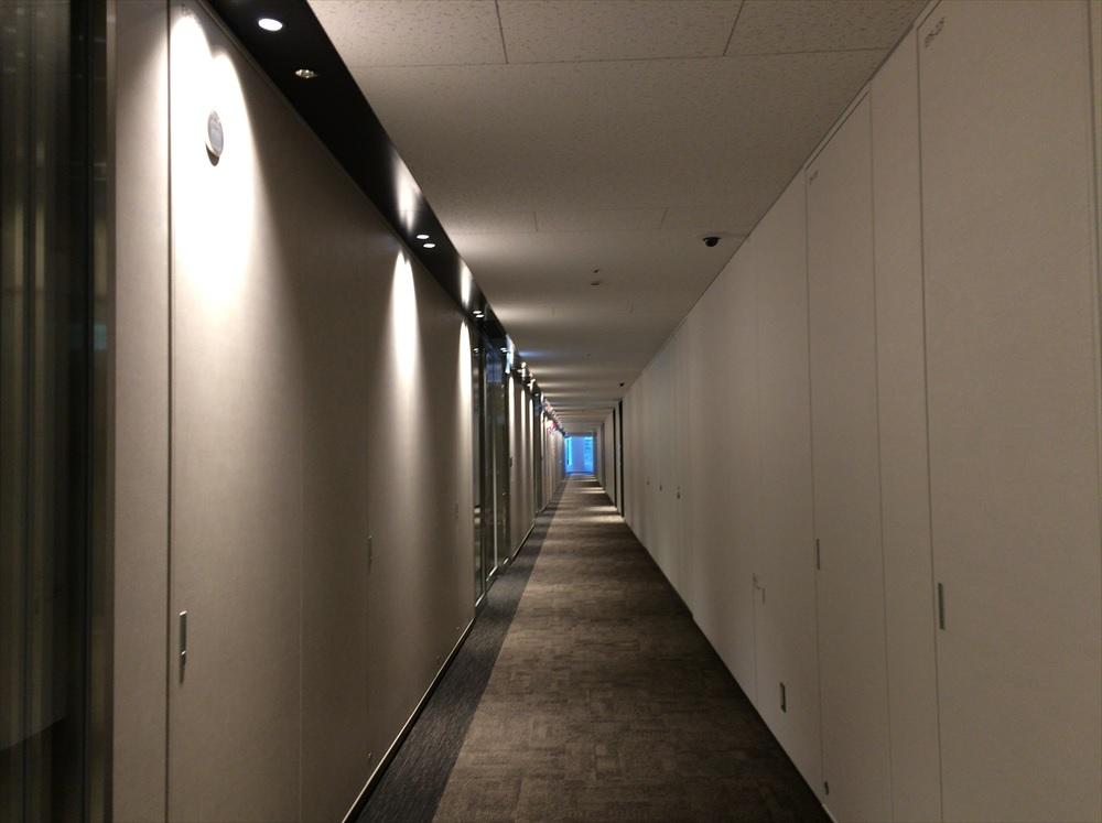 リージャス丸の内鉄鋼ビル_廊下
