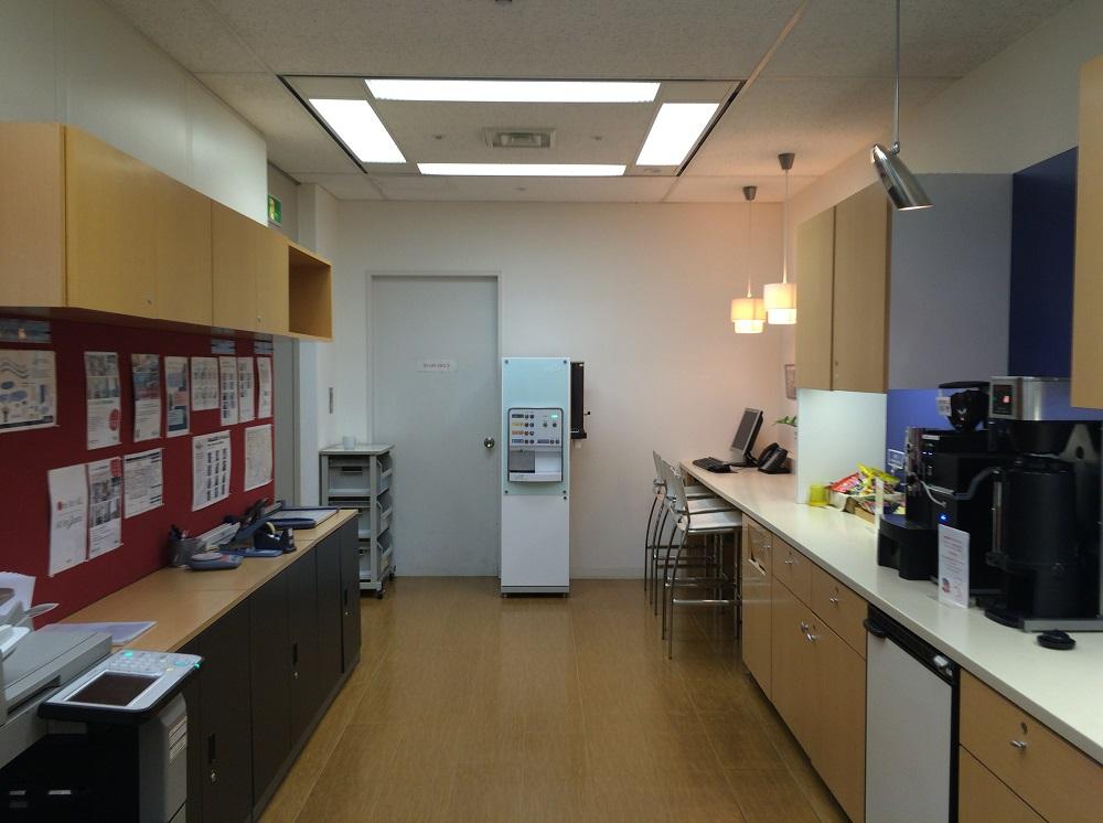 リージャス神谷町MTビル_個室レンタルオフィス_リフレッシュルーム