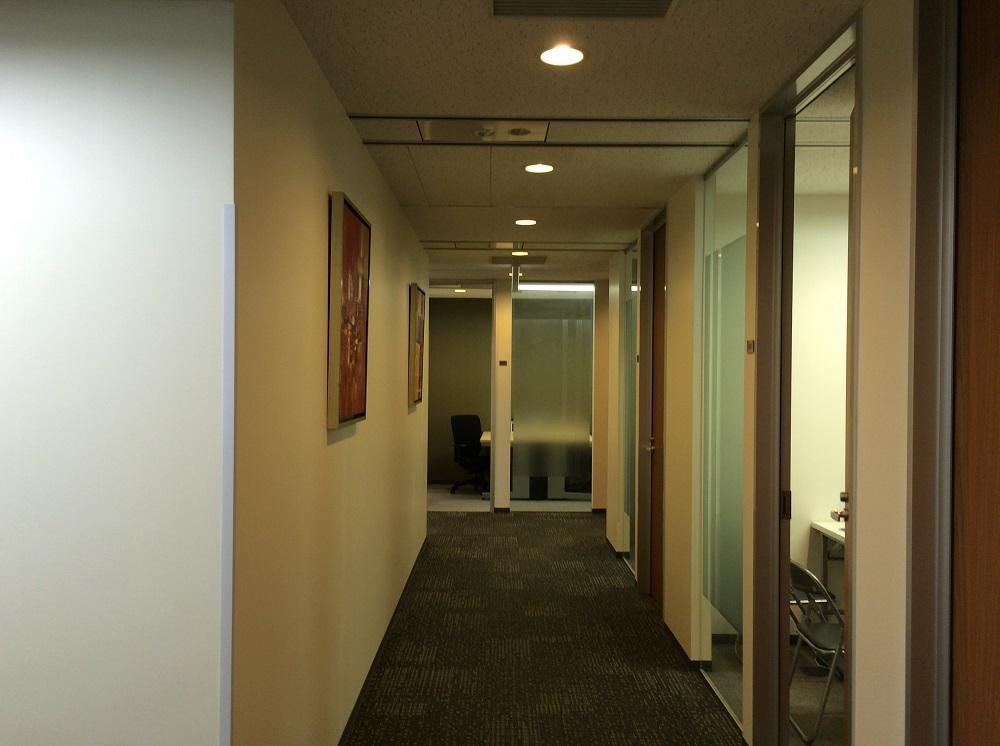 梅田阪急グランドビル_オフィス内廊下