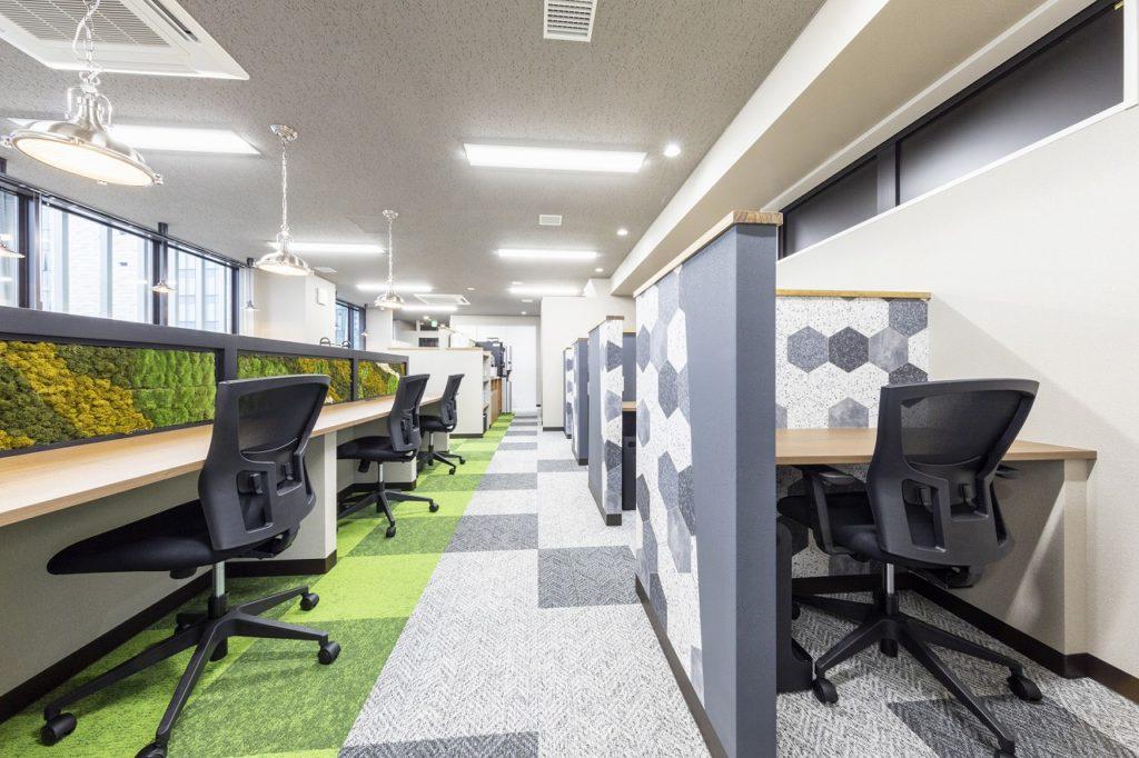 新宿コワーキングスペース_BIZcomfort東新宿_ワークブース