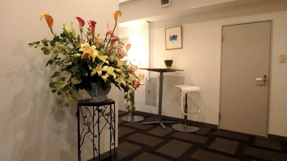 ビズサークル 新宿三丁目オフィス エントランス