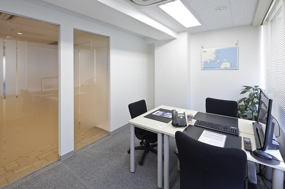 リージャス広尾_個室レンタルオフィス3名用