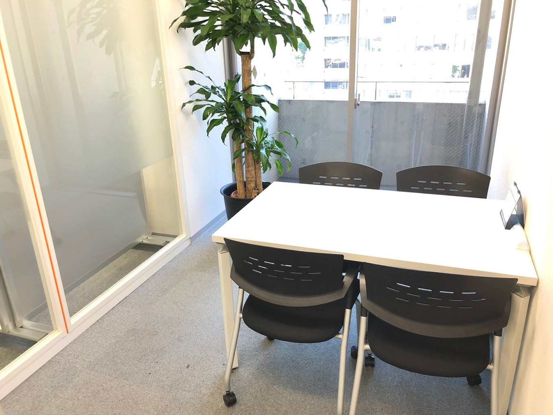 busico銀座_バーチャルオフィス_4名用個室会議室 (7)