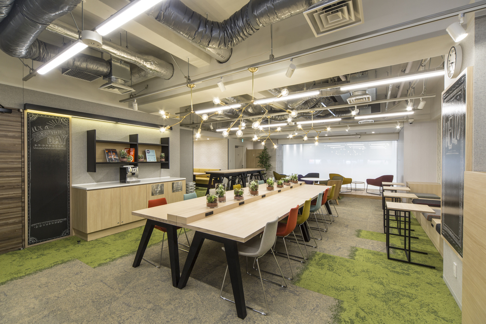 クロスオフィス新宿のコワーキングスペース