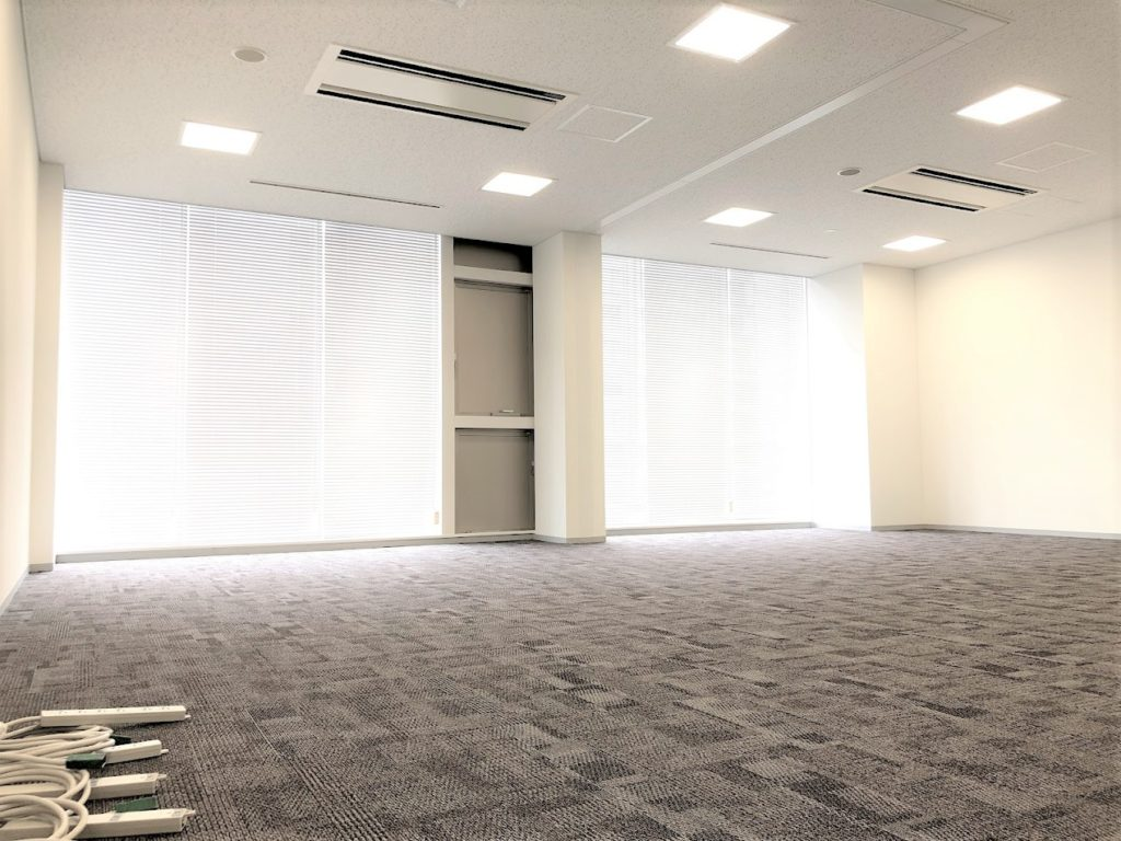 クロスオフィス三田_16名用個室サービスオフィス