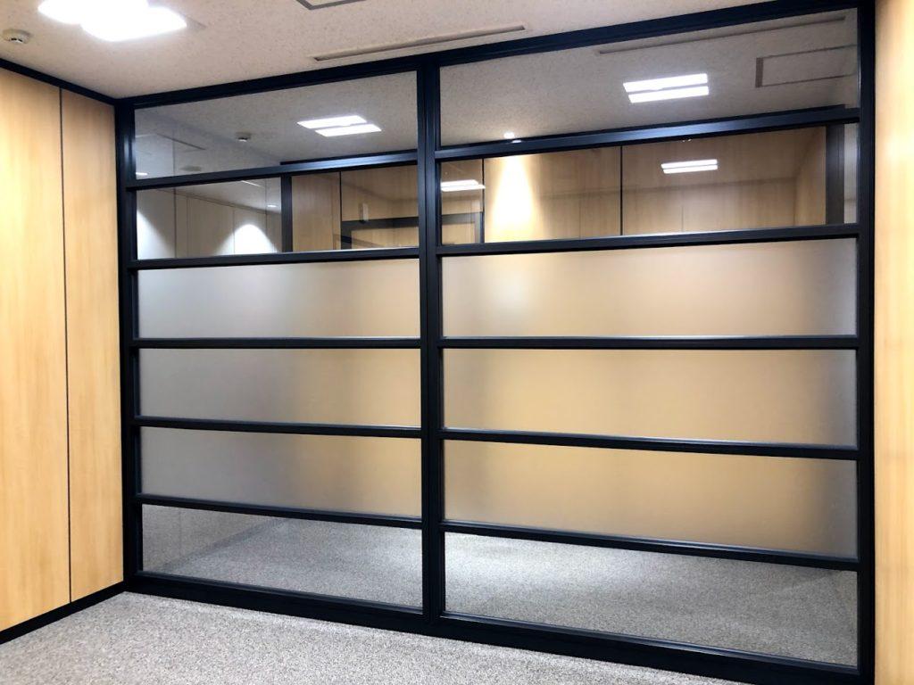 クロスオフィス三田_3名用個室サービスオフィス