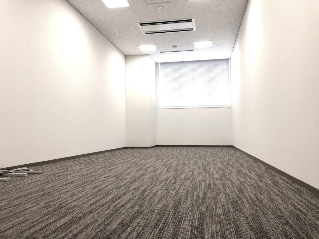 クロスオフィス三田_7名用個室サービスオフィス