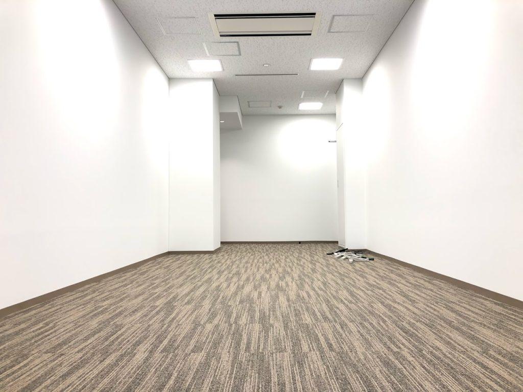 クロスオフィス三田_9名用個室サービスオフィス