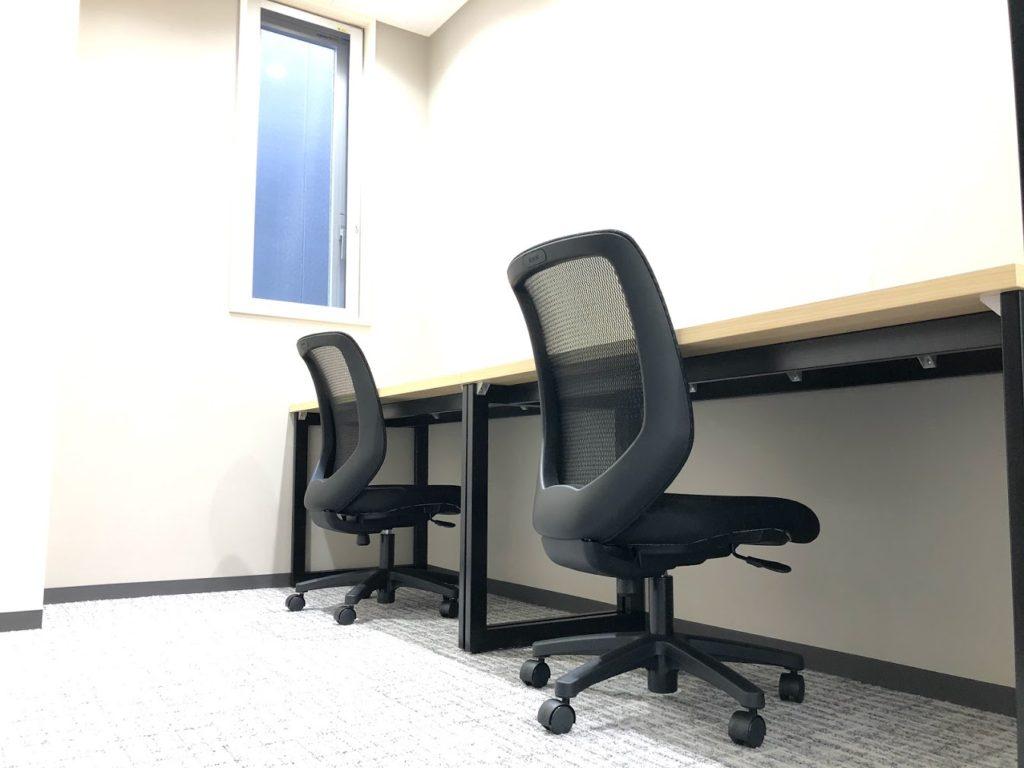 ミッドポイント横濱関内_2名用個室レンタルオフィス