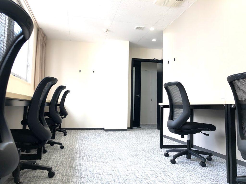 MIDPOINT横濱関内_6名用個室レンタルオフィス