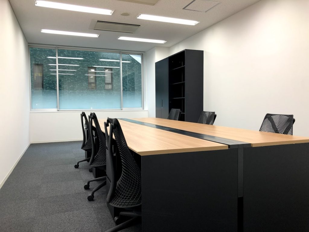 クロスオフィス渋谷_8名個室レンタルオフィス