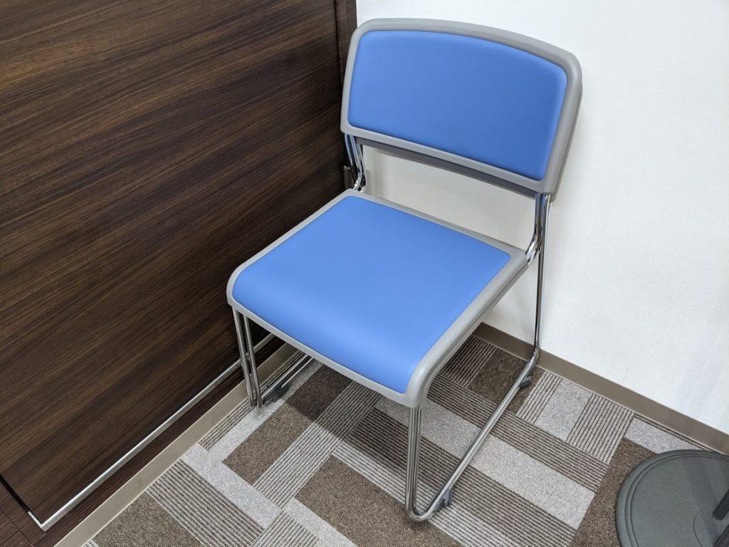 ビズコネクト新宿_補助椅子