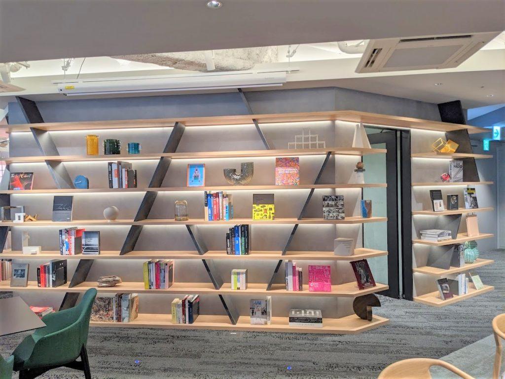 ライブラリー_シェアオフィスの書籍コーナー