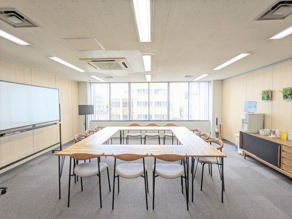 ワンストップビジネスセンター高松_会議室の雰囲気