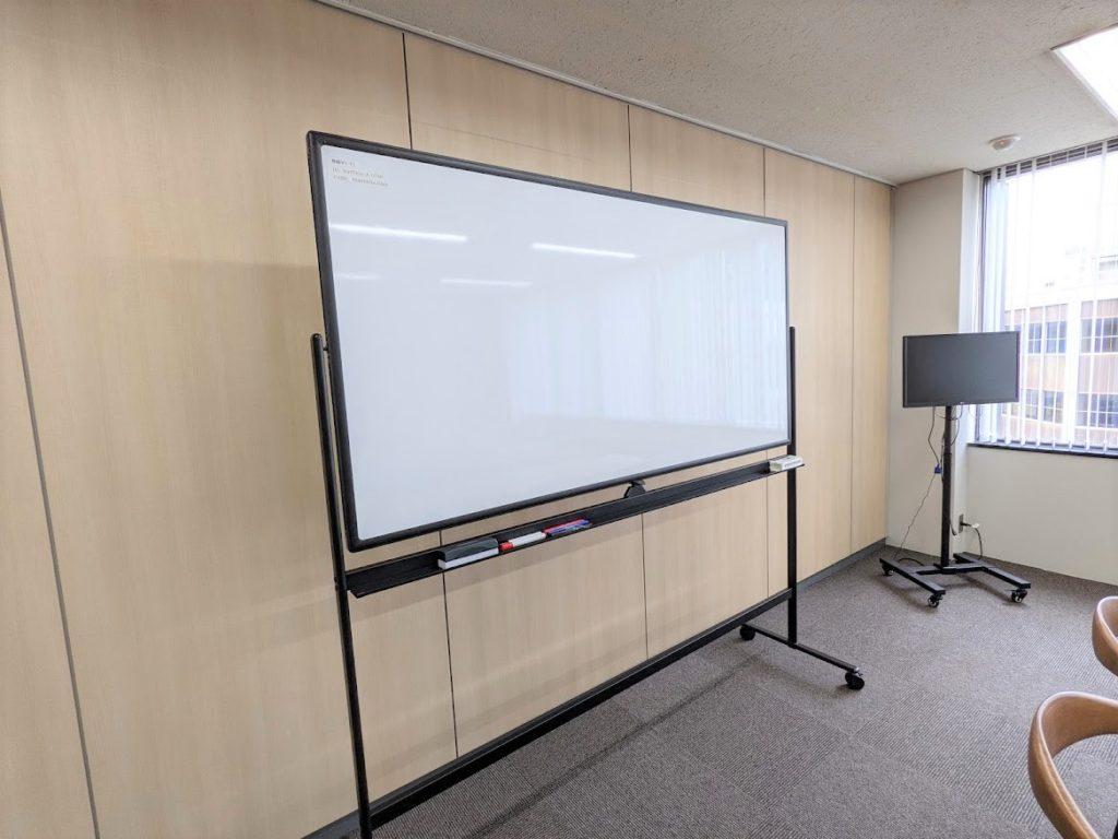ワンストップビジネスセンター高松_備品_ホワイドボード